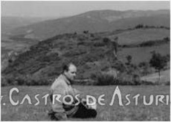 J.M. González con el Chao Samartín al fondo, 1967. Colección de Diógenes García