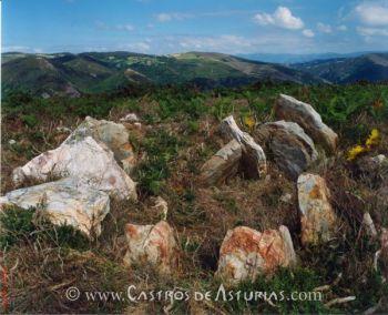 Dolmen en Brañavella, Santa Eulalia de Oscos