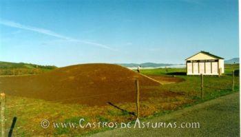Túmulo 1 de El Canadeiro (foto: Ángel Villa Valdés)