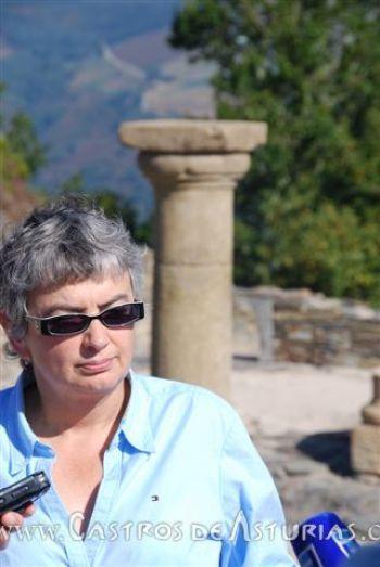 Ana González, Consejera de Educación, Cultura y Deporte del Principado de Asturias, en el Chao Samartín