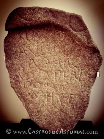 Inscripción de Ablaneda (Salas). Foto: Ángel Villa Valdés
