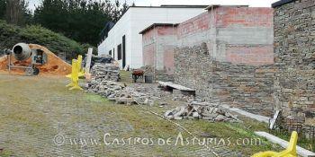 Älmacenes exteriores dle Museo Castro de Chao Samartín