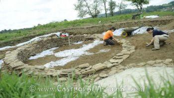 Excavación arqueológica en O Castro de Doade. Fuente: La Voz de Galicia