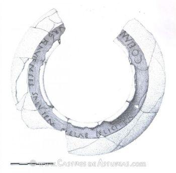 Inscripción sobre vaso cerámico. Castro de Chao Samartín. Dibujo: Carmen Benéitez González